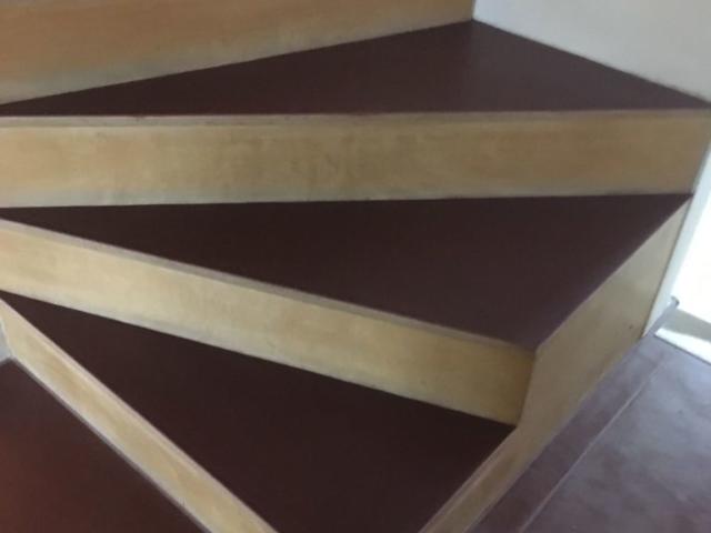 teppich auf parkett trendy beispiele zum wohnzimmer. Black Bedroom Furniture Sets. Home Design Ideas